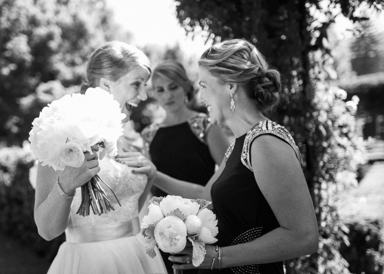 bride_bridesmaid_wedding